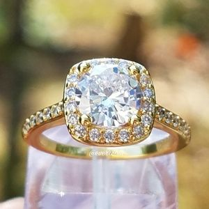 Gold Round Solitaire Square Halo Engagement Ring